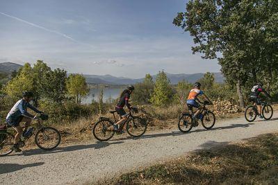 Cicloturismo y bicicleta Sierra de Madrid_Embalse de Pinilla