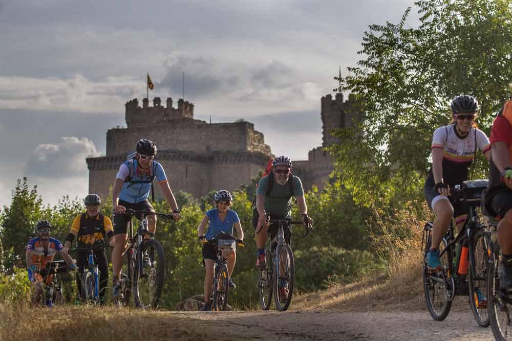 Castillo de Manzanares el Real. Bicicleta.